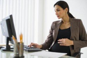 Трудовые отношения с беременной женщиной